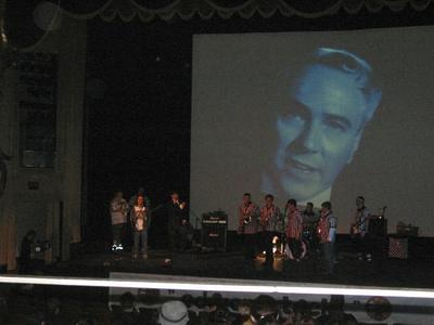 http://edwood.org/concert/photos/hosting1.jpg
